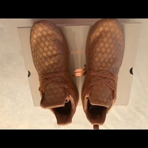 Fabletics Quilted CAMEL (Rose Gold) Sneakers Sz 8